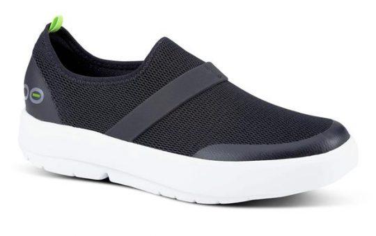 OOFOS Women's OOmg Low Shoe